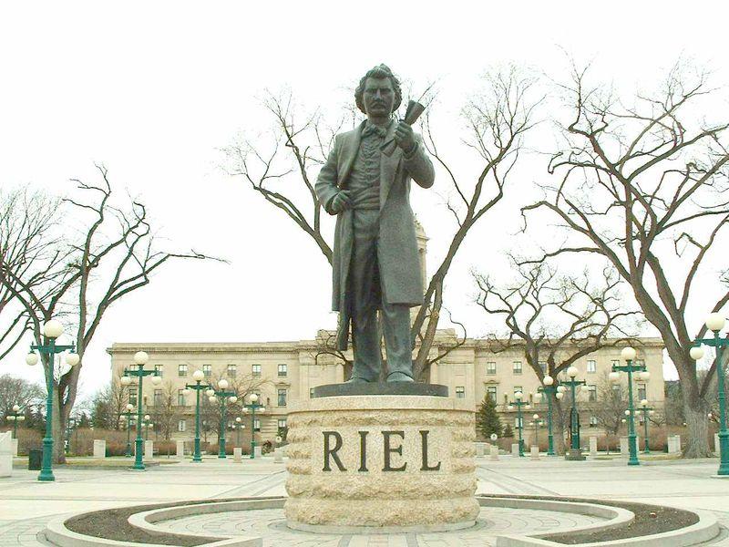 Louis_Riel_Statue